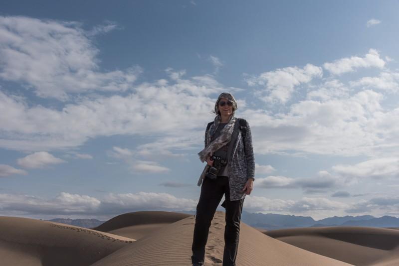 Portret in de woestijn in Iran