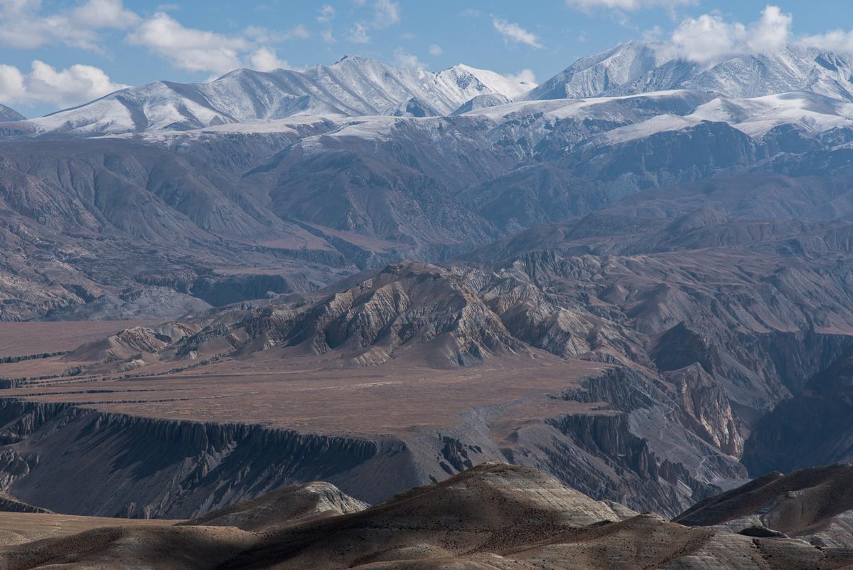 Het landschap in de omgeving van Tsarang in de Himalaya