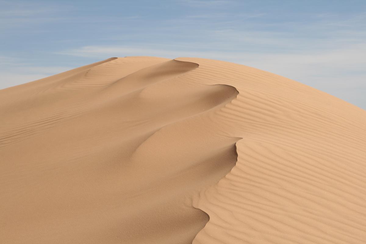 Zandduin in de Sahara in Algerije