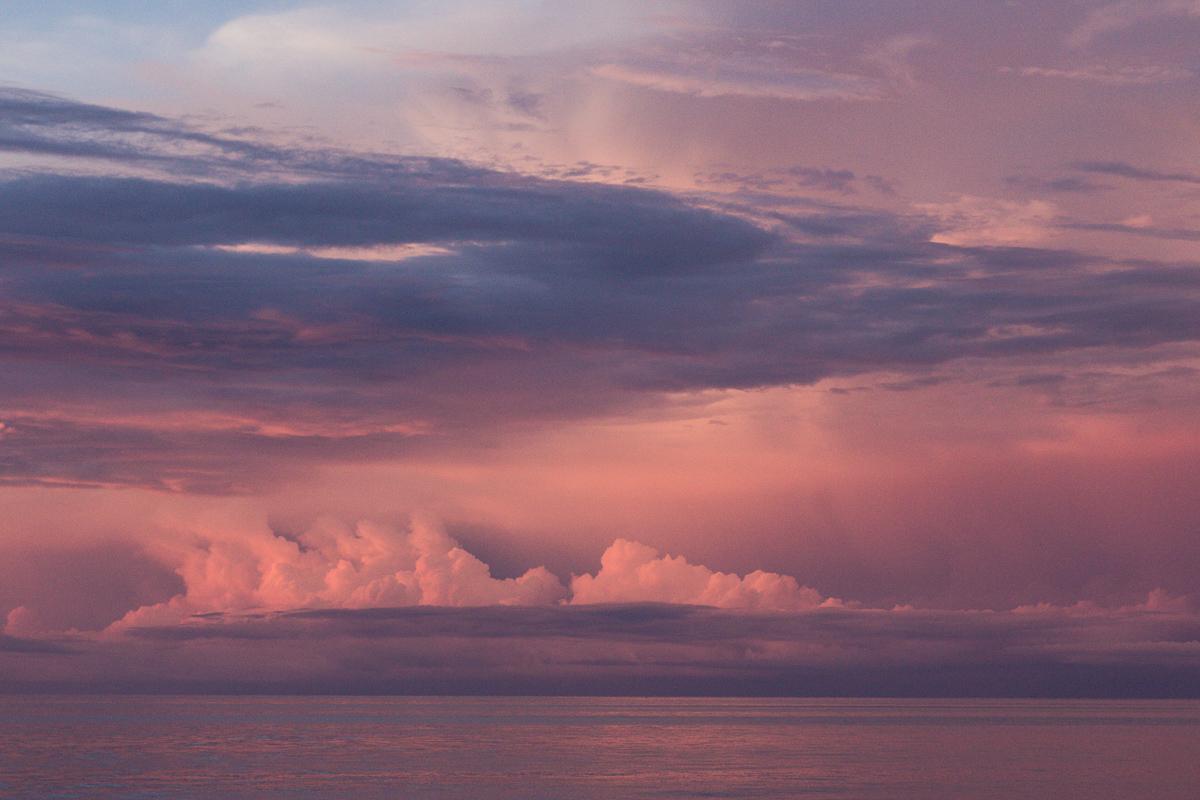 Zonsondergang op de Molukken
