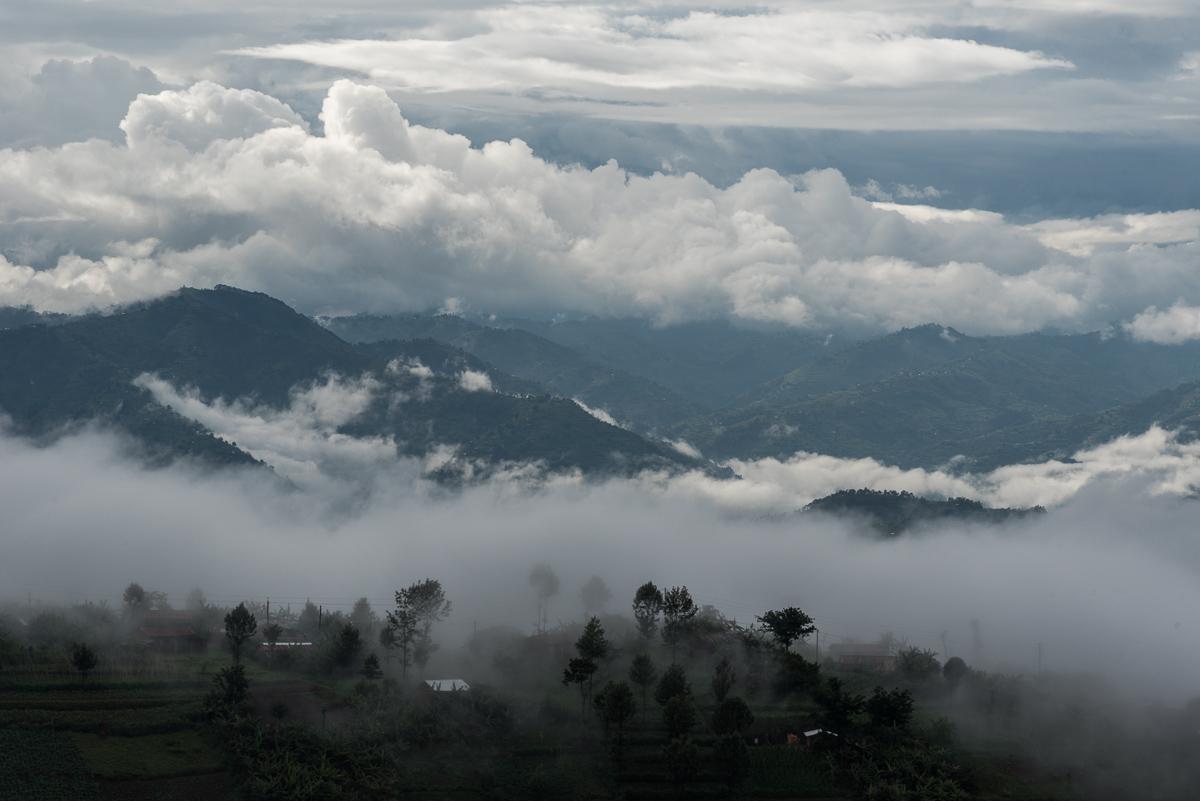 In de mist in het land van duizend heuvels