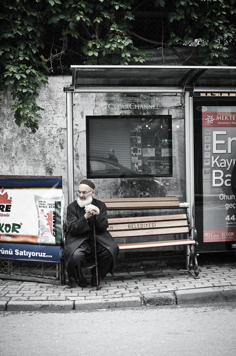 Man wacht op bus