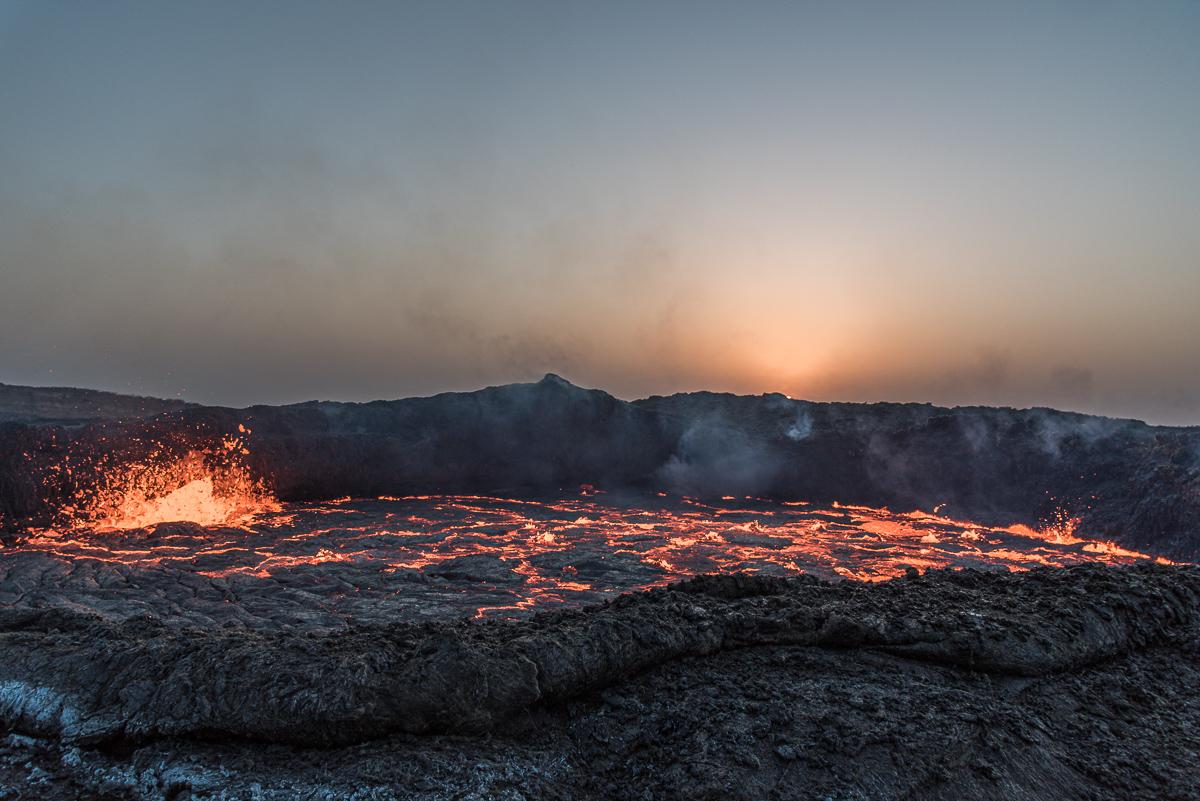 Zonsopkomst bij de vulkaan Erta Ale