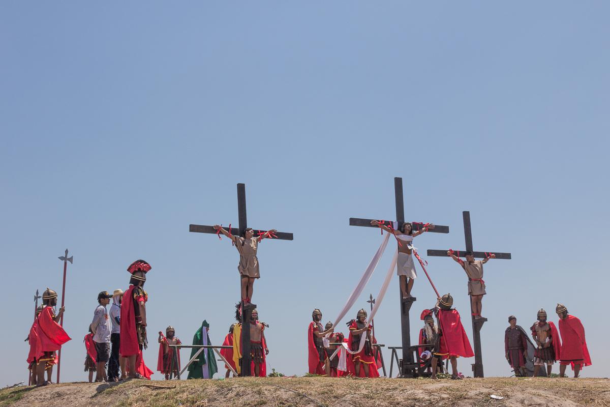 Kruisiging tijdens de Passiespelen op Goede Vrijdag