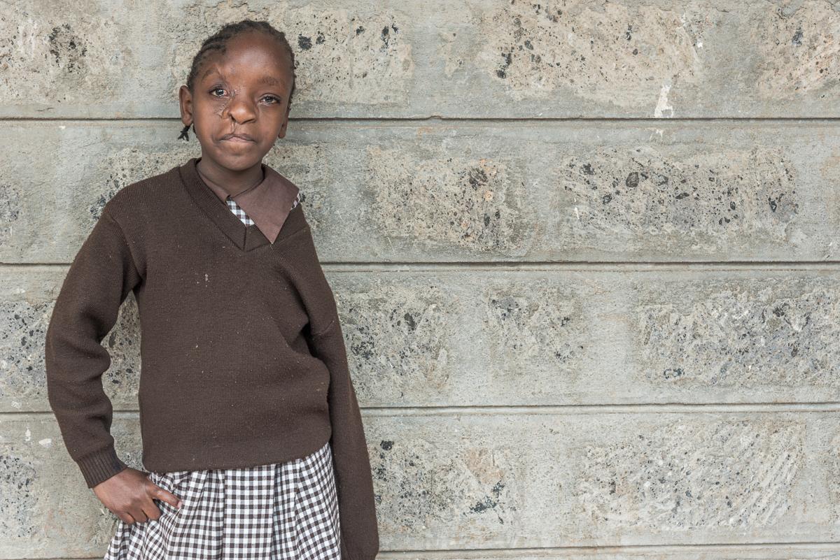 Portret van Celestine op school in Nairobi