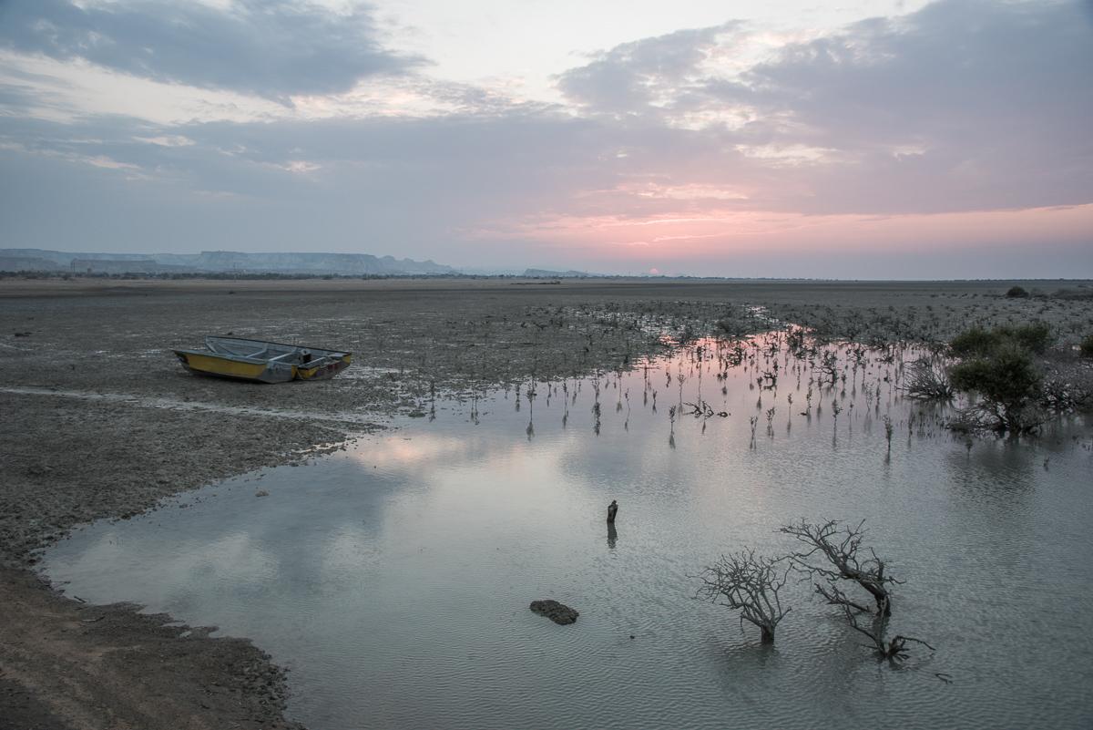 Zonsondergang op Qeshm aan de rand van Hara mangrove bos