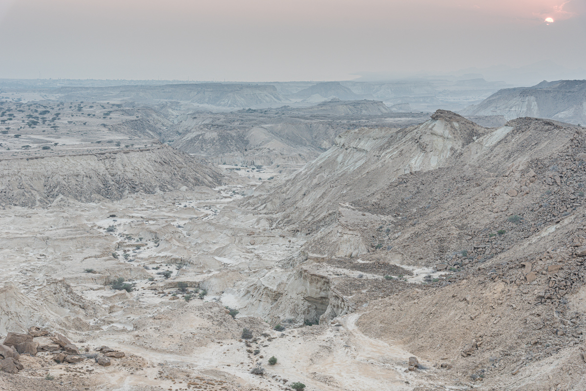 Zonsondergang op oudejaarsavond op het hoogste punt van Qeshm